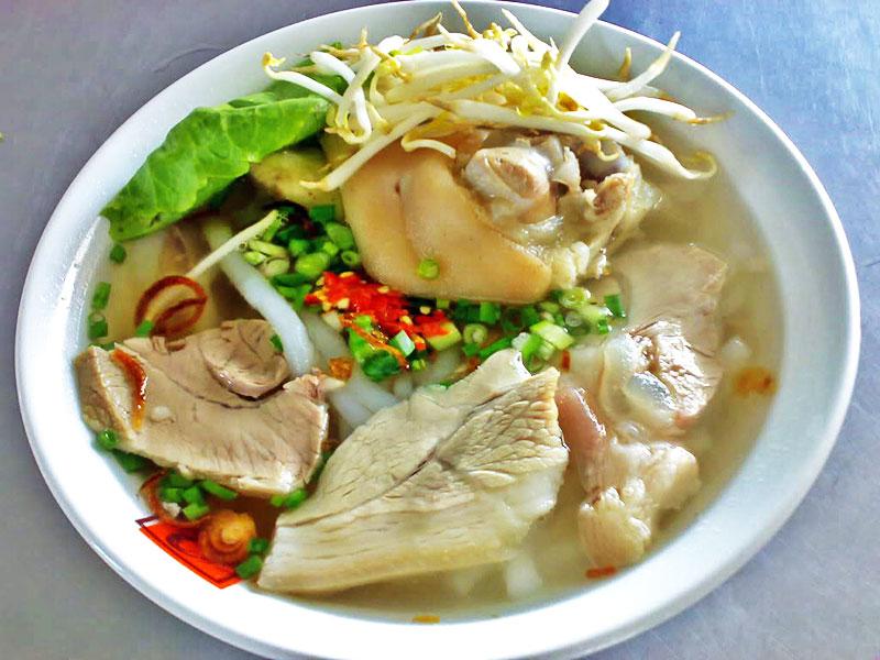 Bánh canh Long Hương - đặc sản nổi tiếng Vũng Tàu, ăn là nhớ!