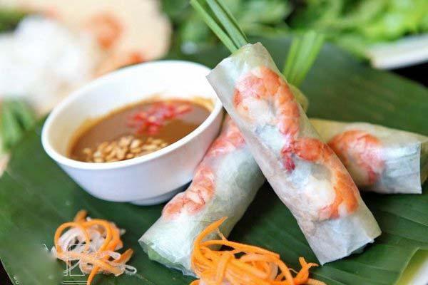 Bò bía, gỏi cuốn - đặc sản nổi tiếng Sài Gòn