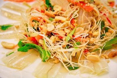 Gỏi cá đục – món ăn nên thử khi đến Hà Tĩnh